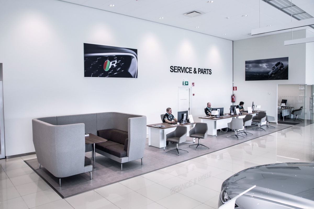 SCC - Sports Car Center Jaguar Land Rover huolto
